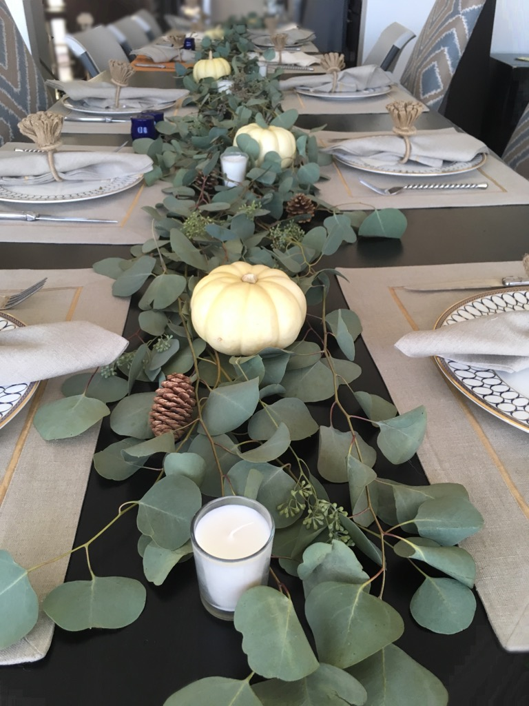 Natural Glam Thanksgiving Table life-style